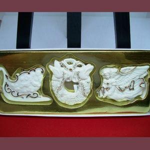 2001 Exclusive Porcelain Ornament Gift Set!
